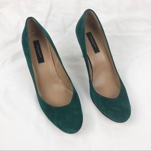 Ann Taylor green suede closed toe heels